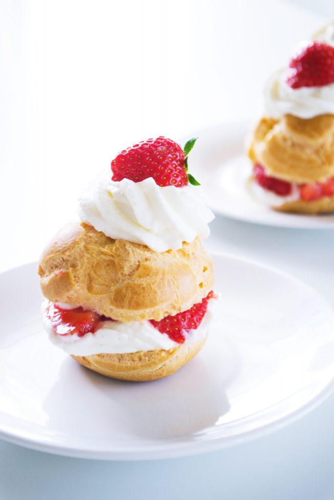 Strawberry Choux Buns | Koekbook