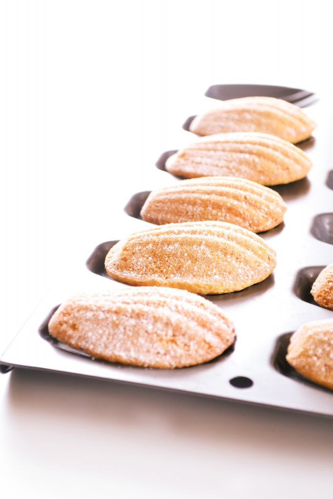 French Madeleines (Paul Hollywood) | Koekbook