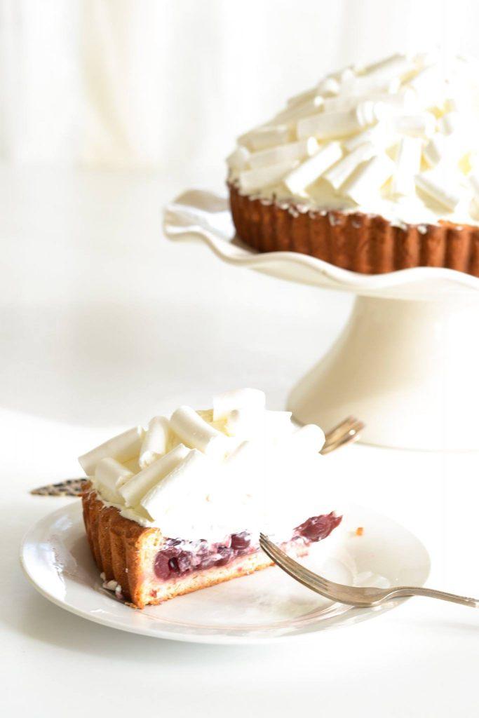 Snowy Mountain Cherry Pie | Koekbook