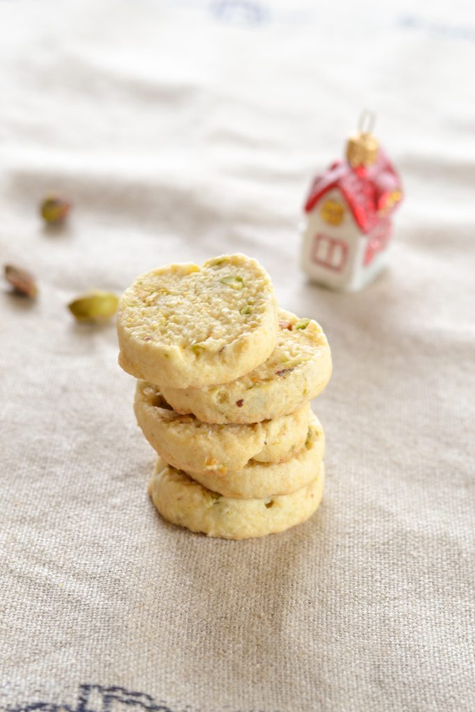 Coconut Pistachio Cookies with Orange | Koekbook