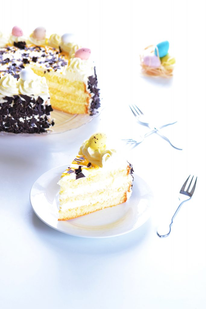 Dutch Egg Liqueur and Whipped Cream Cake | Koekbook
